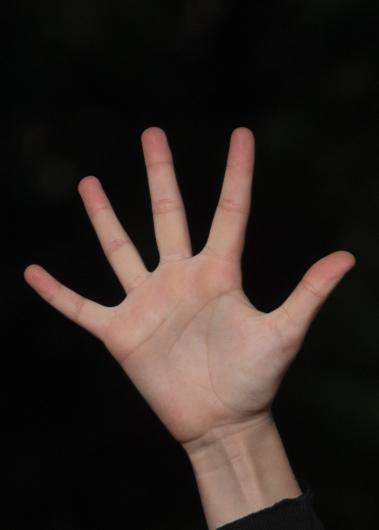 Liza hands-5